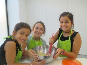 Niñas en la Escuela de Las Rozas - Superchefs Kitchen Academy