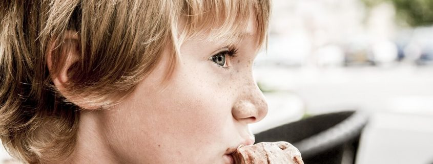 ¿Es verdad que nuestros hijos deben comer de todo?