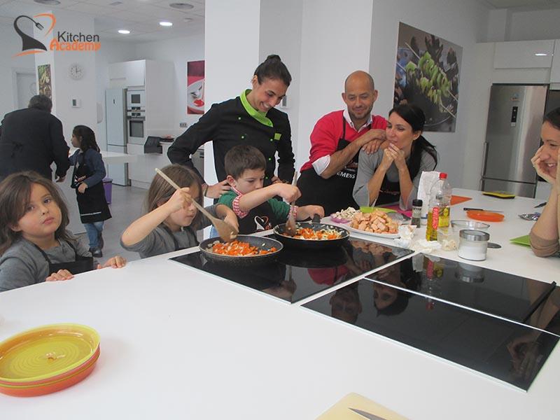 Familias - Kitchen Academy