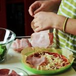 Cocinando con niños en familia